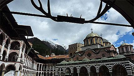 Monastère pas austère