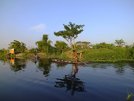Derrière Lao ITECC