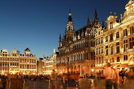 Bruxelles, la Grand Place de  nuit