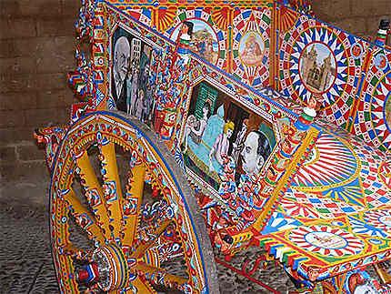Charette décorée typique
