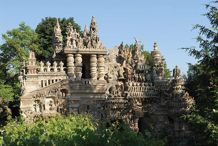Le Palais idéal du Facteur Cheval dans la Drôme... on dirait Angkor !