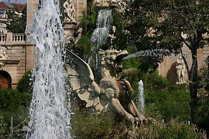 Dragon crachant de l'eau