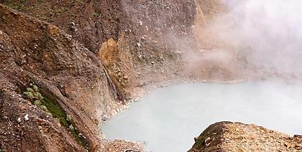 Le Boiling Lake