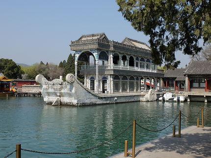 Bateau en marbre au Palais d'Été en Chine