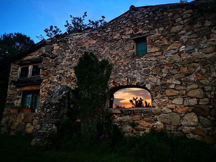 Maison reflets coucher de soleil