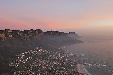 SUNSET AND THE TWELVE APOSTLES