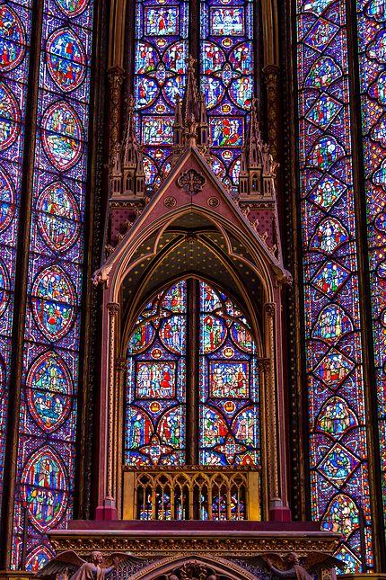Sainte-Chapelle, baldaquin et vitraux