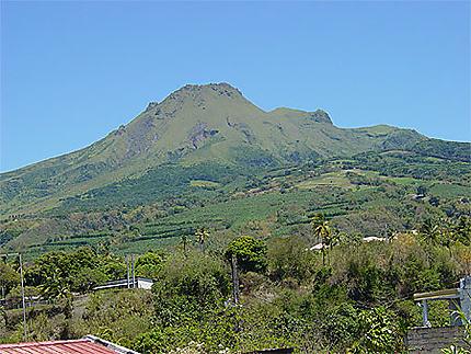 La Montagne pelée sans nuage