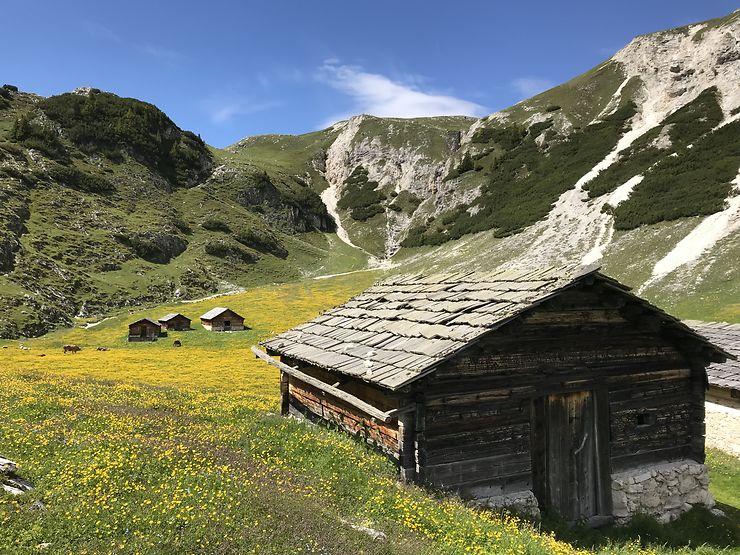 Alpage dans les Dolomites, Italie