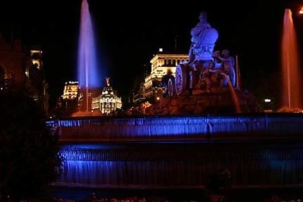 Fontaine de Cibèle le soir