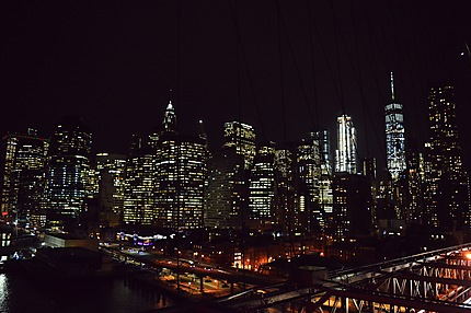 Brooklyn Bridge & Manhattan at night
