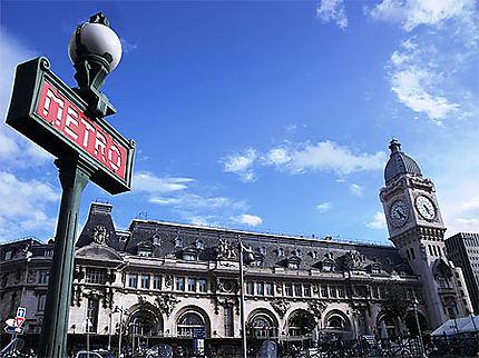 Dernière image de Paris avant le retour en province