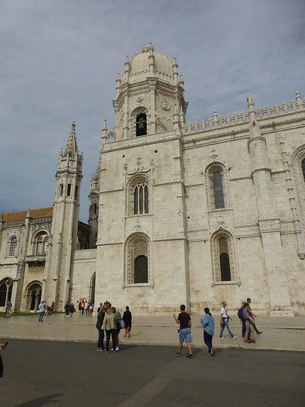 Au pied du monastère dos Jerónimos, Lisbonne