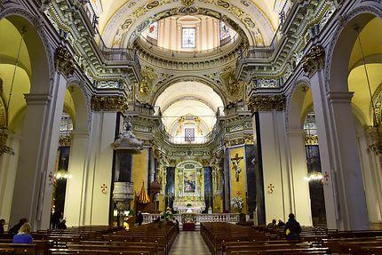 Intérieur de la cathédrale Sainte Réparate à Nice