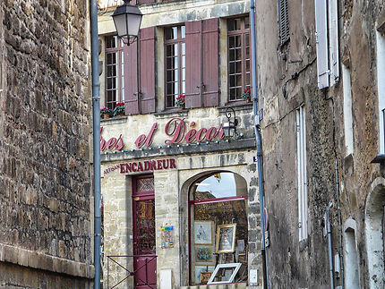 Belle ruelle en pierres en Bergerac