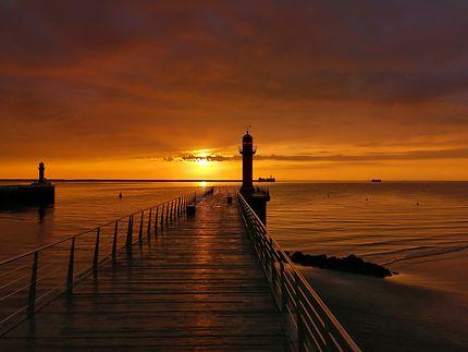 Coucher de soleil sur le port de Boulogne/Mer