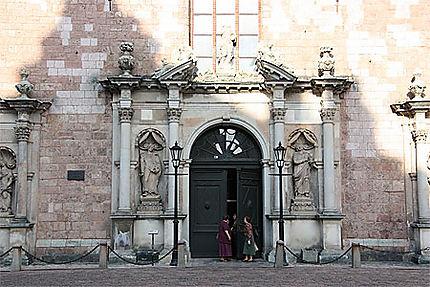Entrée de l'Eglise Saint Pierre