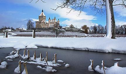 Le château de Vufflens en hiver