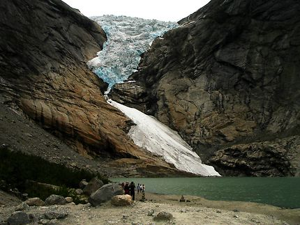 Glacier de vallée au sud de la Norvège