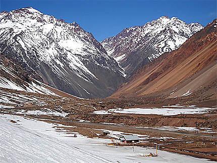 Les Andes, vallée de Los Penitentes