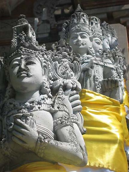 Statues bouddhistes