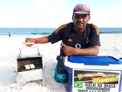 Fromage grillé sur la plage de Copacabana