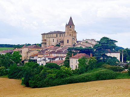 Lavardens plus beau village de France