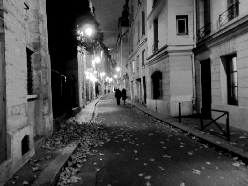 nuit d 39 automne rue de bi vre noir et blanc 5 me arrondissement paris. Black Bedroom Furniture Sets. Home Design Ideas