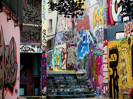 Rue taguée à Menilmontant