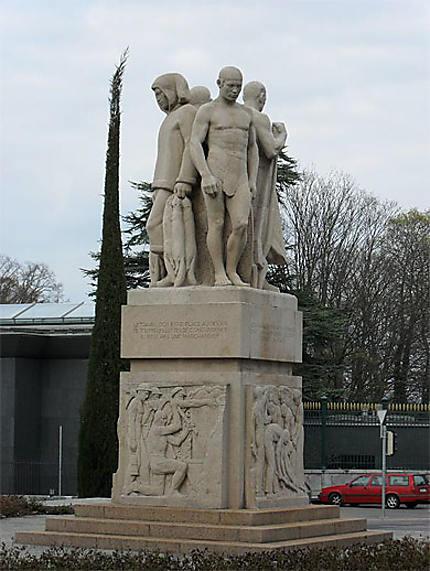 Monument à Albert Thomas