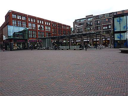 Rue moderne à Delft
