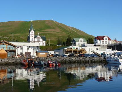Le port de Húsavík, Islande