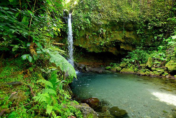 Les cascades et les lacs de Morne Trois Pitons