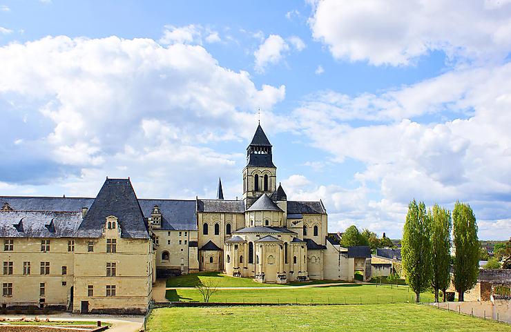L'Abbaye de Fontevraud, de jour comme de nuit