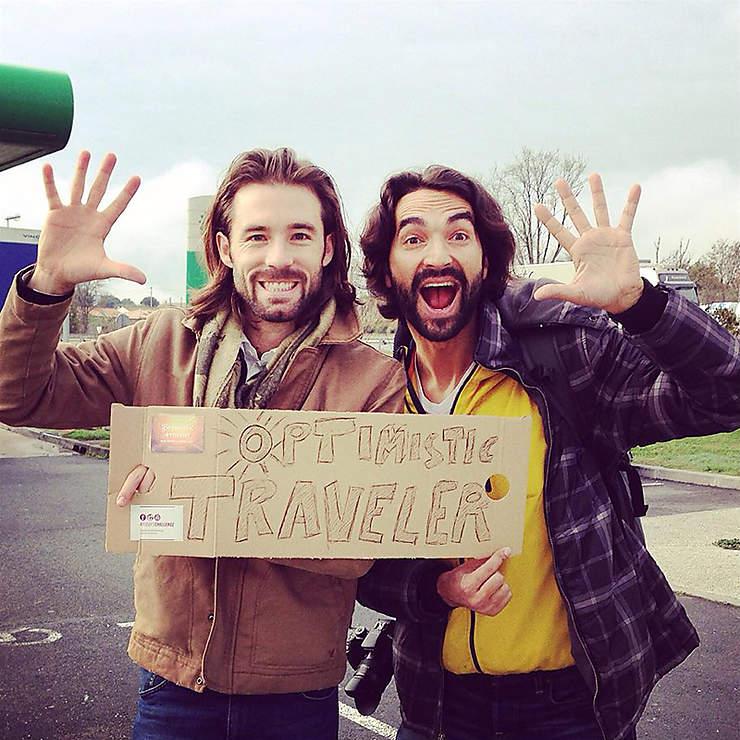 Optimistic Traveler : ils ont fait le tour du monde sans argent en moins de 80 jours   !