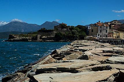La promenade de Saint Florent, Corse