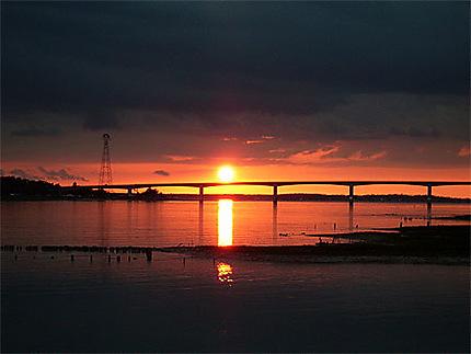 Coucher de soleil sur le pont de la Seudre