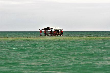 Pique nique en mer en Philippines