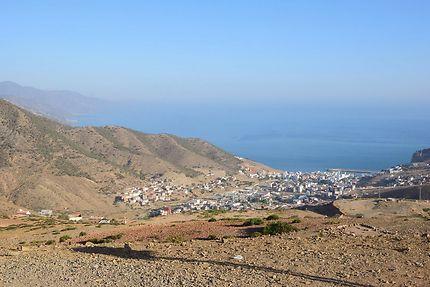 La Mer Méditerranée et le village de El Jebha...