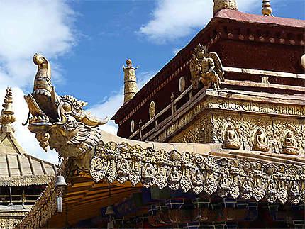 Détail des toits du Temple de Jokhang