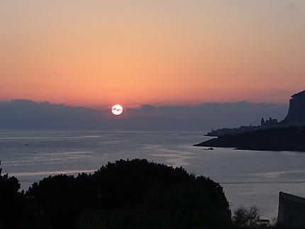 Levé du soleil sur Cefalu