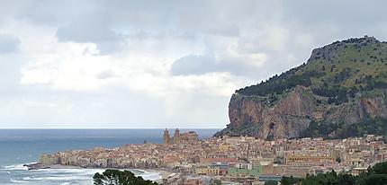 Cefalu - Entre mer et falaise