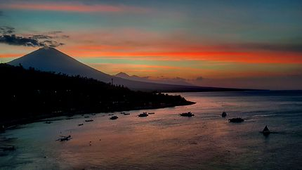 Volcan envoûtant, à Amed, Bali