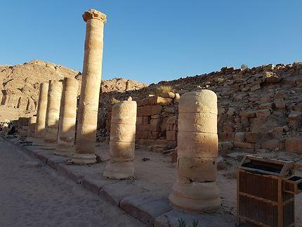 L'allée des colonnes