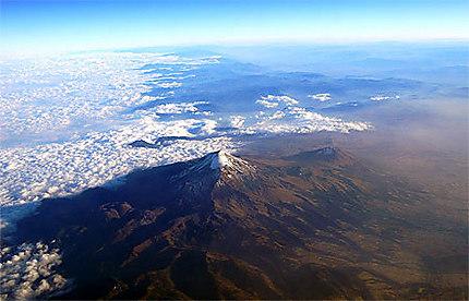 Volcan enneigé au Mexique