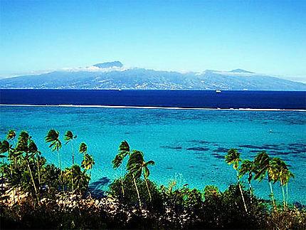 vue de Tahiti depuis Moorea
