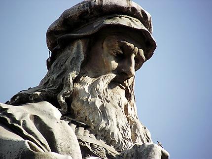 Statue de Leonard de Vinci
