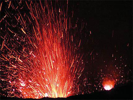 Eruption nocturne - Volcan Yasur (Vanuatu)