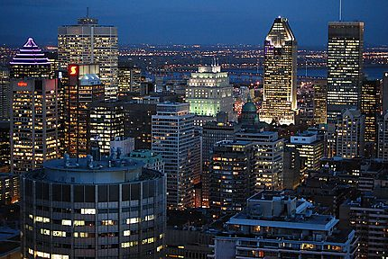 Montréal by night