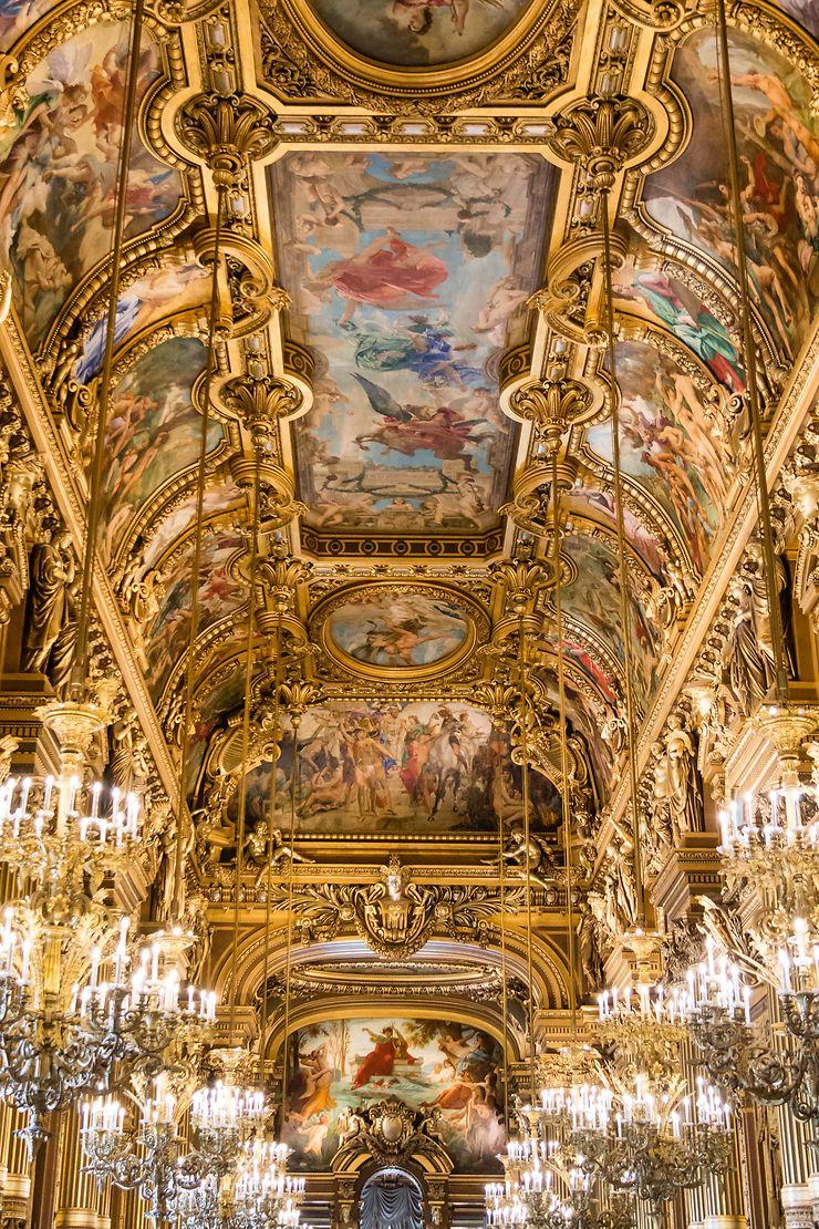 Le magnifique Grand Foyer de l'Opéra Garnier, Paris
